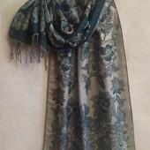 Яркий палантин, шарф с люрексом