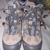 """Цілі шкіряні кросівки """"Quechua""""38 розм.нюанс."""