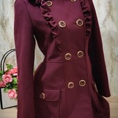 Классное пальто цвет бордо