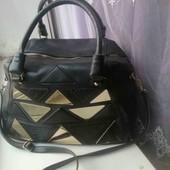 Стильная чёрная женская сумка