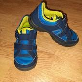 Фирменные кроссовки Decathlon на мальчика, в идеале!