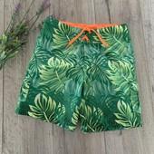 Пляжные шорты для мальчика 10-12 лет. В хорошем состоянии.