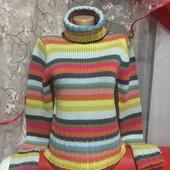 вязанный радужный теплый свитер-гольф состояние нового