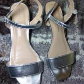 23 см. Серебряные сандали, босоножки.