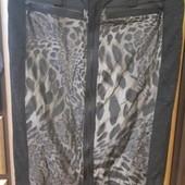 Стильна фірмова юбка