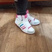 Новые зимние женские ботинки размер 37