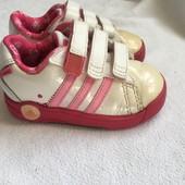 Кросівки Adidas 20 розмір