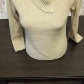 Класный теплый свитер