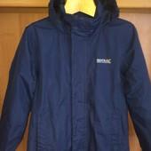Куртка. термо ветровка, внутри сетка, размер 9-10 лет 140 см, Regatta. состояние хорошее