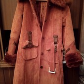 теплое пальто с капюшоном р.44