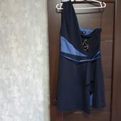 Фирменное новое красивое платье с пояском р.16