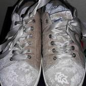 Классные женские кроссовки. Р 37