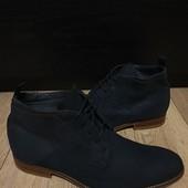 Ботинки із нубуку зовні і нат.шкіри всередині 42 рр і устілка 28,7 см.
