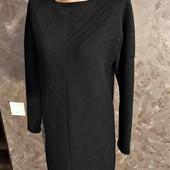 Классическое фирменное платье прямого кроя