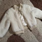 Куртка, шубка, кофта на 5-7лет состояние нового!