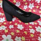 Туфли на небольшом каблуку