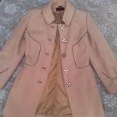 Пальто бежевое 48размер
