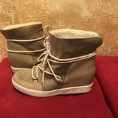 Ботинки із натуральної шкіри і замші,від Andre,на овчині,розмір 41,устілка 26,5