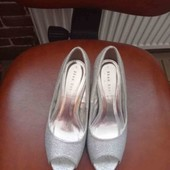 Шикарні туфельки-босоніжки срібні