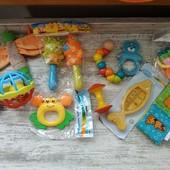 Все что на фото 11 игрушек и термометр для воды