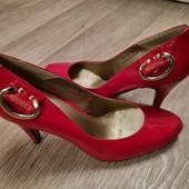 яркие стильные туфли Gucci Италия новые