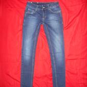 Женские джинсовые скинни.размер 27.в отличном состоянии.Стрейчевые!