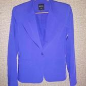 Стильный пиджак синего цвета