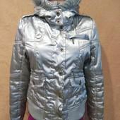 Класна куртка у відмінному стані Розмір Л дивіться заміри