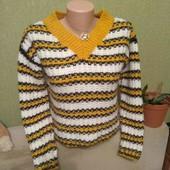 Мягусенький свитерок,яркой расцветки,размер xs-s