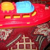 Кораблик для игры на воде.