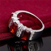 Серебряное кольцо № 19. Красный Гранат.Фианиты.Штамп 925