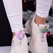 класні дуже якісні кросівки) кількість обмежена не пропустіть