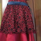 Очень красивое, пышное дорогое платье к празднику. Турция! На 4-6 лет