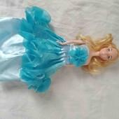кукла Барби в красивом плятьи