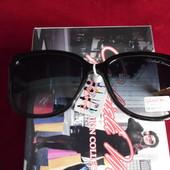 Солнцезащитные очки от Gabriella Marioni.100%протектор защитыОправа со стилизацией под наручные часы