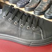 нові кросівки на 26,5 см повних
