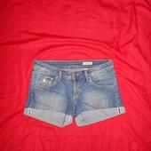 H&M джинсовые шорты.размер 38.в отличном состоянии.Оригинал!