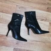 Суперские кожаные фирменные полусапожки Buffalo London, модный острый носок