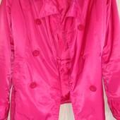 Женская куртка-ветровка!Состояние новое!