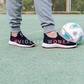Качественные и стильные кроссовки,одна ростовка!