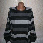 Хорошенький свитер Lр., грудь 60