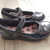 Туфлі з лакованої шкіри Clarks, розмір 27