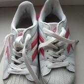 Белые кроссовки на девочку 31-20 см.