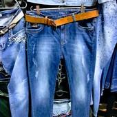 Новые стрейчевые джинсы р. 30, на бедра 110-115 см, поб 55 см. Высокая посадка.