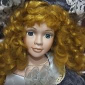 Велика колекційна лялька