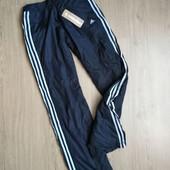 Теплые женские штаны на флисе и синтепоне. П-во Аdidas, размер M.