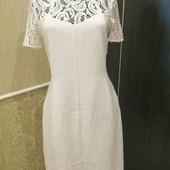 Шикарное платье , светло- розовое, с кружевом на размер евро 36