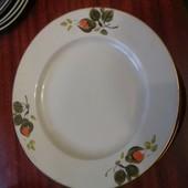 Набор тарелок на выбор ( в наличии по 5 штук)