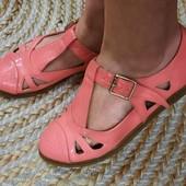 Яркие,стильные,удобные сандали босоножки. 38р, 24,5 см