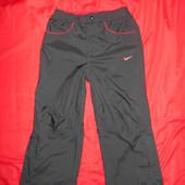 Nike штаны на резинке.рост 128-140(8-10 лет).в отличном состоянии.Оригинал!